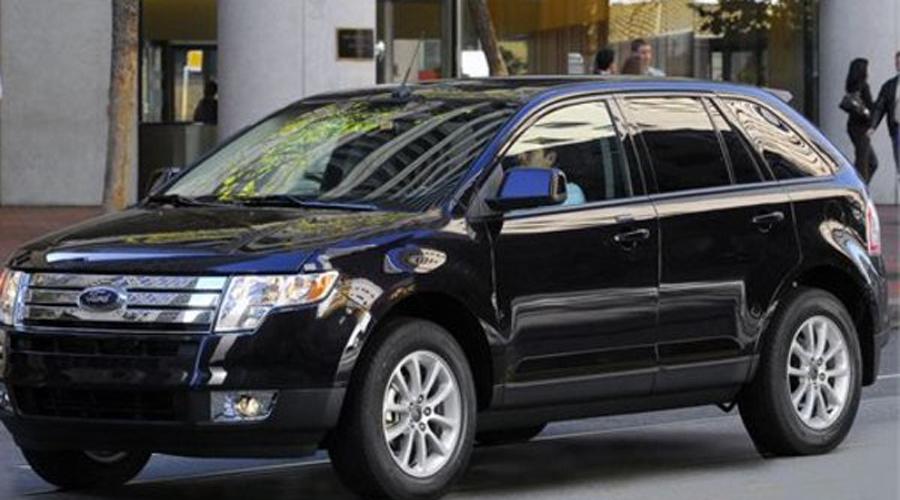 Ford Edge На американском рынке Ford Edge 2007 года разлетелся моментально. Однако первые восторги покупателей сменили гневные вопли: больше всего концерн обвиняли в неприемлемо низкой надежности автомобиля, который хотя бы пытается притвориться внедорожником.