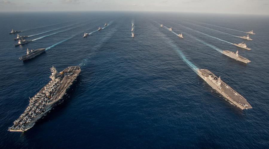 ВМФ США С крупнейшим флотом мира Америка вполне может чувствовать себя наследницей Великобритании. 10 авианосцев кого угодно заставят дважды подумать, прежде чем посягнуть на территориальные воды США.