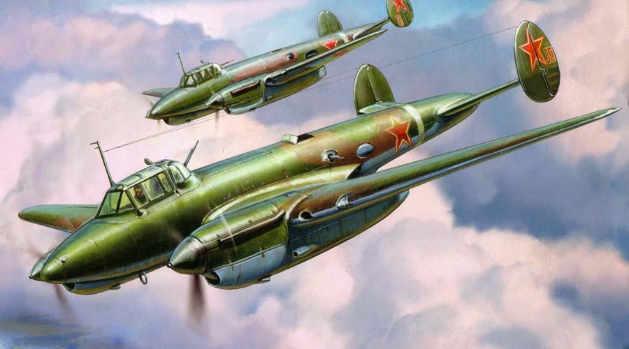 Пе-2 СССРПикирующий бомбардировщик Советский Союз наладил массовый выпуск Пе-2 в 1940 году, еще до войны. В отличие от немецких «Штук» этот бомбардировщик не так часто использовался в качестве пикирующего — чаще удары наносились из горизонтального полета.