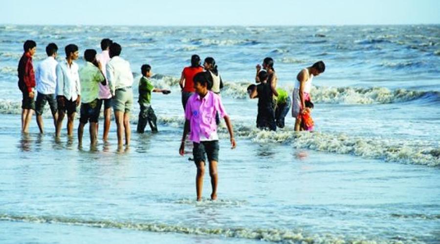 Дюма-Бич Индия Городской пляж вдоль Аравийского моря в индийском штате Гуджарат всегда был окутан тайной. Он находится на священной земле, где раньше индусы кремировали предков. На пляже зарегистрированы многочисленные случаи пропажи людей. Власти полагают виновными сохранившиеся подпольные секты тугов-душителей.