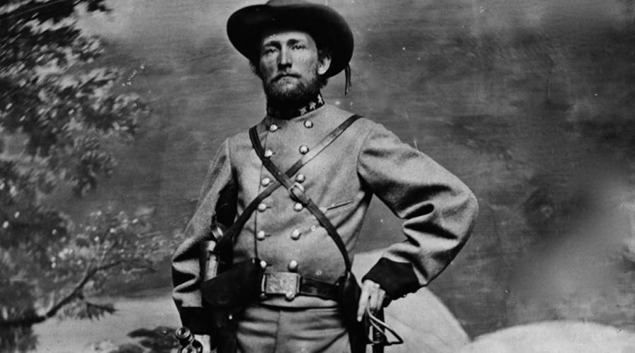 Деньги Мосби В начале марта 1863 года полковник конфедератов Джон Синглтон Мосби внезапно заявился в город, уже давно отвоеванный противником. Пришел он, конечно, не в одиночестве — шайка из сорока солдат за считанные минуты обнесла местный банк на 350 000 долларов. Естественно, такой пассаж без ответа остаться не мог и Мосби кинулся в бега. Налетчиков оттеснили за линию фронта, но хитрый полковник успел спрятать награбленное в лесах округа Фэрфакс, штат Вирджиния — вот там они до сих пор и лежат.