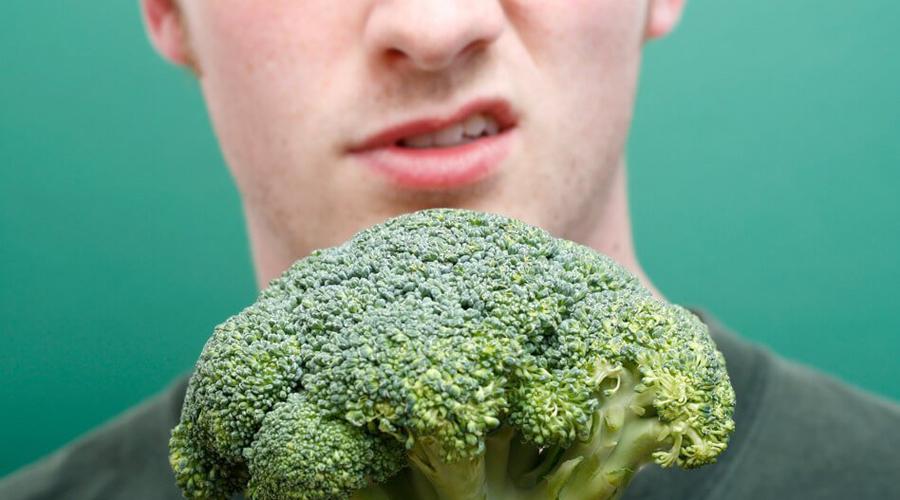 Все калории усваиваются На самом деле, вся пища сначала должна пройти через желудок и только в тонком кишечнике начинает усваиваться. Примерно 10% полученных калорий не усваиваются вовсе. Животные белки усваиваются легче растительных, поскольку клетчатка больше времени проводит в пищеварительном тракте. Ценность калорий различается — хотите похудеть, включите в ежедневный рацион примерно 40 грамм клетчатки.