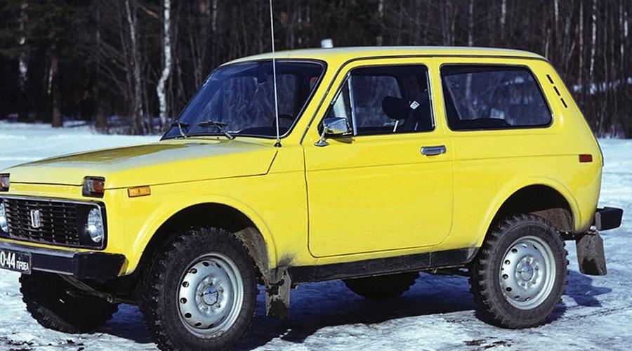 Под грифом Фиата Испытания прототипов, появившихся уже в 1972 году, проходили в Средней Азии и на Урале. Тестовые экземпляры имели на кузове лого выдуманной марки Formika, сами же инженеры говорили, будто на испытаниях проверяется румынский «Фиат». Поверили в это многие.