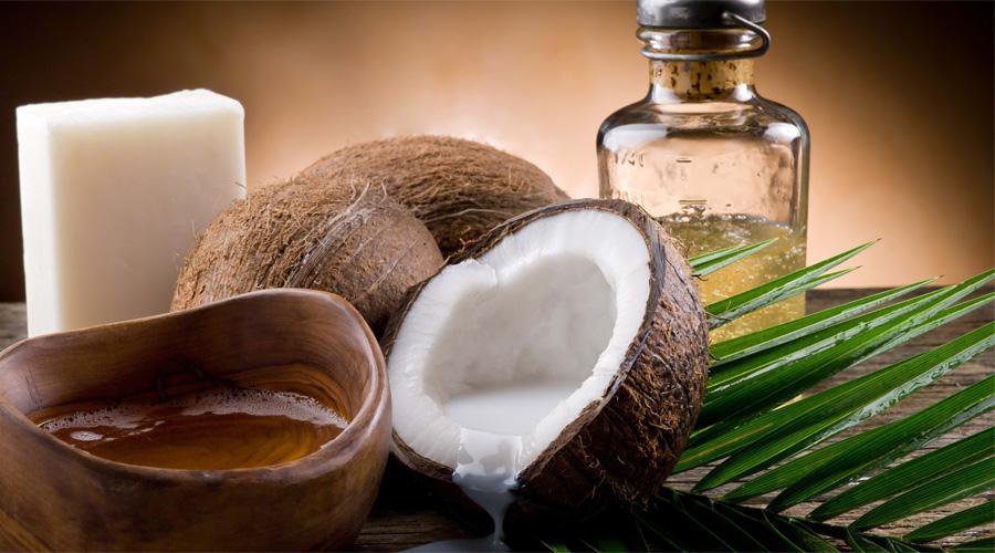 Кокосовое масло Сейчас кокосовое масло можно купить в любом супермаркете. Оно стабилизирует работу иммунной системы, поддерживает уровень холестерина в крови и даже повышает кровообращение мозга.