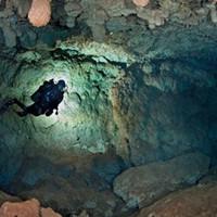 Два дня под водой: дайвера спасло настоящее чудо