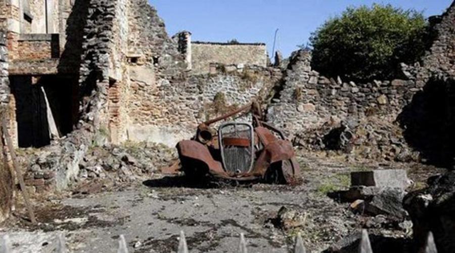 Орадур-Сур-Глен Франция Деревня, расположенная во Франции, была полностью уничтожена в 1944 году. Жители деревни, в том числе женщины и маленькие дети, были убиты нацистами. С тех пор Орадур остается таким же, каким был 50 лет назад. Деревня, застывшая во времени.