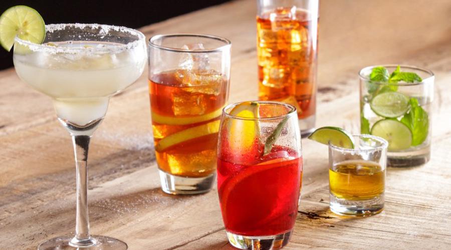 Разное поведение Идея о том, что различные типы спиртных напитков вызывают различные типы поведения — не более, чем распространенный миф. На эту тему было проведено уже немало исследований, результат которых совершенно однозначен: на ваше поведение после спиртного влияет только эффект плацебо.