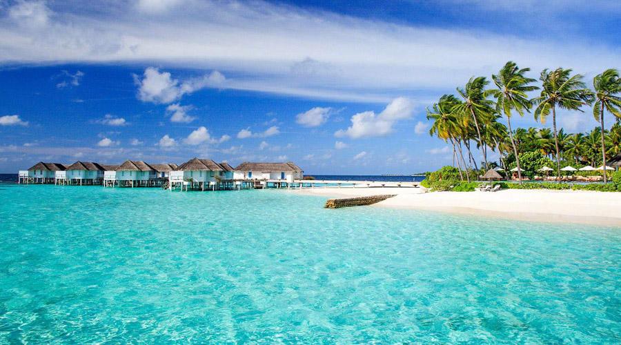 Мальдивы Прекрасные Мальдивы считаются настоящим земным раем, однако все это эфемерно. Острова постепенно уходят под воду и по прогнозам океанологов через пару десятков лет вся страна повторит судьбу Атлантиды.