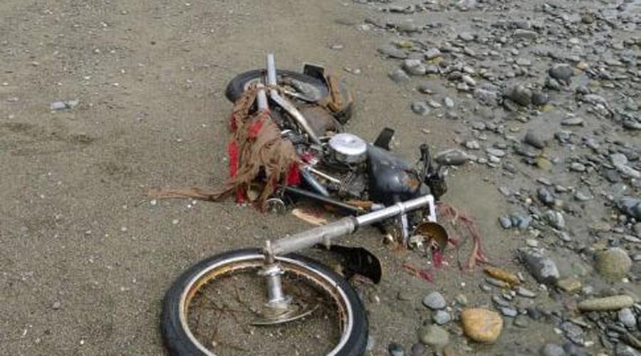 Мотоцикл Подумаешь, старый мотоцикл, верно? Нет, не верно! Этот красавец был найден на побережье Западной Канады. А приплыл он из самого Токио, после великого цунами 2011 года.