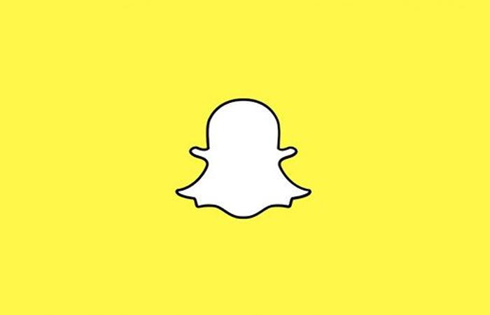Кристофер Уоллес В 2015 году Кристофер совершил мелкую кражу в одном из магазинчиков Пирс-Понд, штат Мэн. Полиция обнаружила воришку по социальным сетям: тот выложил снимки украденного в snapchat.