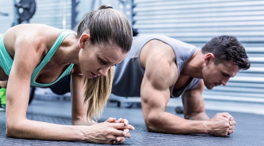 Планка Привычные всем скручивания давно уже признаны неэффективным упражнением. Хотите прокачать пресс? Делайте планку, во всех вариациях. Начните с одной минуты и каждую тренировку добавляйте по двадцать секунд.