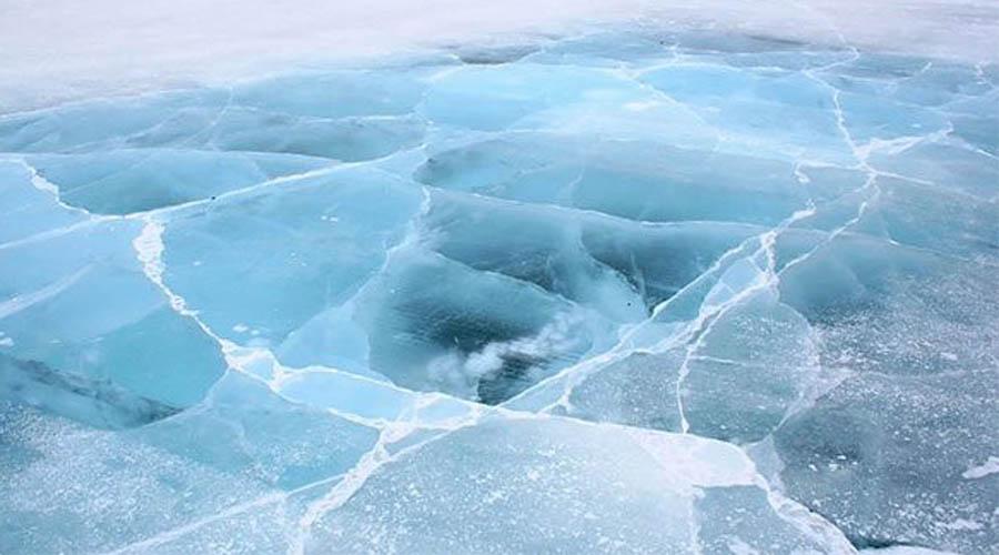 Альваро Гарза-младший 11-летний Альваро играл в хоккей на замерзшей реке и провалился под лед. Мальчишка провел под водой 45 минут и все же сумел выжить. Что еще более удивительно, медики не обнаружили никакого повреждения мозга.