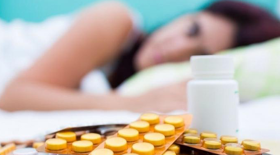 Антигистаминные Страдаете от аллергии? Воздержитесь от выпивки. Иначе побочное действие вам гарантированно, притом очень неприятное. Готовьтесь к галлюцинациям, мигрени и длительной тошноте.