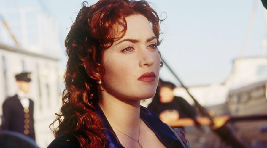 Кейт Уинслет На съемках «Титаника» Кейт чуть было не утонула взаправду. Съемки под водой вообще опасное дело и актриса случайно зацепилась одеждой за деталь интерьера. Уинслет провела под водой две минуты, пока каскадеры не спохватились.