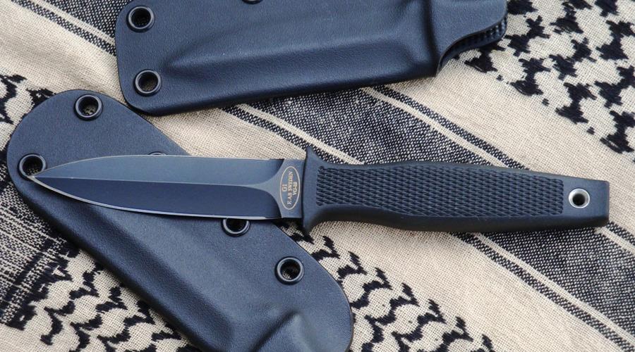 Fallkniven G1 Garm Fighter Небольшой боевой кинжал, активно использующийся корпусом Морской пехоты США. Резиновая рукоять удобно лежит в руке, а клинок, несмотря на сравнительно скромную длину, способен справиться с работой крайне эффективно.