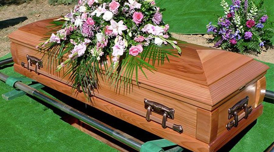 Фагиля Мухаметзянова Для некоторых возвращение с того света ограничивается лишь небольшой побывкой. Фагиля умерла в 49 лет от остановки сердца. Очнулась на собственных похоронах, да так испугалась, что схватила еще один, на этот раз уже необратимый инфаркт.