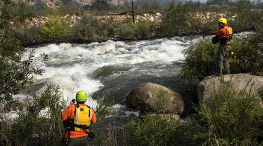 Река Керн Калифорнийская река привлекает множество любителей пощекотать себе нервы. Многие так и остаются на дне этого коварного водоема. В 2014 году группа из 9 мальчишек в сопровождении трех взрослых утонула здесь, в 2017 река забрала восьмерых.