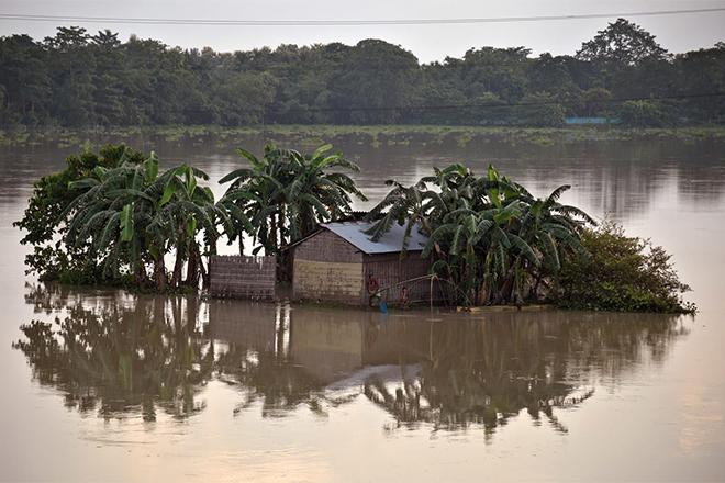 Бандгладеш, Индия и Непал уходят под воду: планета сошла с ума!
