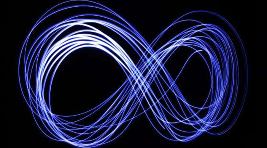 Предел желаний Человек все чаще стал доживать до преклонного возраста, но сам отмерянный нам срок практически не изменился. Естественный верхний предел жизненной продолжительности для нас составляет всего 120 лет. Дело в том, что ДНК клеток каждого вида существ имеет своеобразный ограничитель, названный пределом Хейфлика. Он регулирует, сколько раз может делиться клетка до финального распада.
