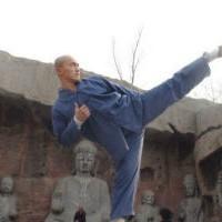 Шальной Шаолиньский монах уничтожает бойцов ММА на ринге