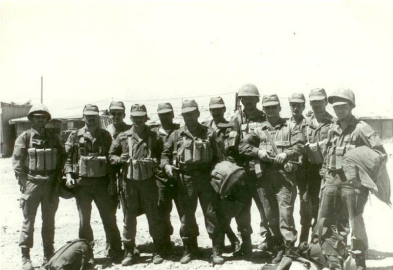 Освобождение советских заложников в Бейруте, Ливан 30 сентября 1985 года в столице Ливана одновременно захватили четырех работников советского посольства. Требования захватчиков были следующими: они хотели, чтобы СССР поговорили с сирийскими властями убедили их прекратить антиливанскую военную операцию. В противном случае террористы угрожали убить всех заложников. Все было очень серьезно: один из советских дипломатов даже был казнен. За операцию взялась только созданная группа «Вымпел». Внезапно пропало сразу 10 сотрудников ливанских спецслужб. Имад Мугния, казнивший советского дипломата, получил записку, где ему предложили самому выбрать следующую жертву. На следующий день заложники были освобождены.