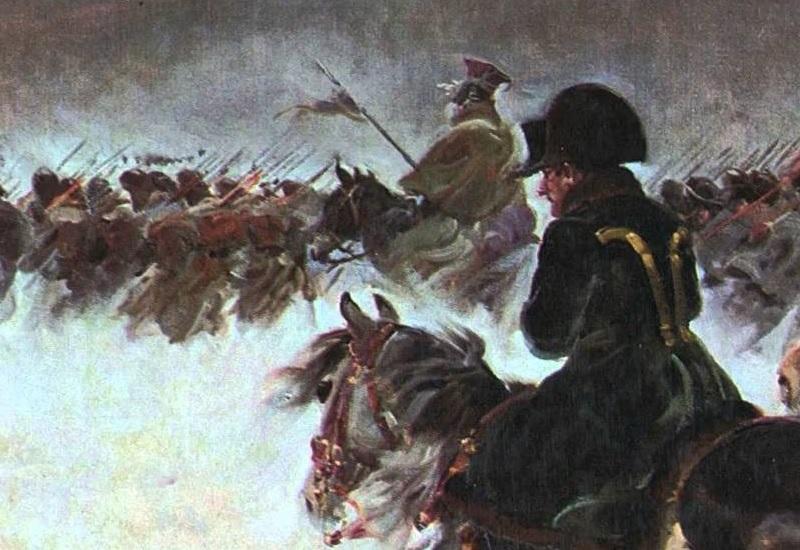 Клад Наполеона Бонапарта В конце октября 1812 года Наполеон покинул разграбленную и сгоревшую Москву. Офицер французской армии писал: «Император велел вывезти все кремлевские трофеи, забрать бриллианты, жемчуг, золото и серебро из церквей. Он приказал даже снять позолоченный крест с купола Ивана Великого. Самые элегантные и роскошные кареты ехали вперемешку с фургонами, дрожками и телегами с провиантом». По официальной оценке российского министерства внутренних дел, «московская добыча» составила около 18 пудов золота, 325 пудов серебра и неопределённое количество церковной утвари, икон в золотых окладах, старинного оружия и мехов. Собственные обозы с добычей имели наполеоновские маршалы. В первые дни после выхода французов из Москвы стояла сравнительно ясная погода, но вскоре дожди размыли дороги. Даже не дойдя до Можайска, Наполеон приказал бросить часть обозов и сжечь оставленные повозки. С золотом и серебром расставаться пока не спешили. Весь поход до границы сопровождался непрерывными атаками казаков и партизан, а с наступлением суровой зимы пришлось срочно прятать награбленное. Считается, что основная часть сокровищ была затоплена в одном из озер на западе Смоленской области. По свидетельству адъютанта Наполеона – возможно, заведомо ложному, – это Семлевское озеро. Поиски в озере ведутся с середины XIX века, когда смоленский генерал-губернатор погнал сотни крестьян баграми обшаривать дно. Безуспешные поиски прервали, но с тех пор и по сей день на озере буквально живут поколения энтузиастов, пытаясь обнаружить ценности под водой или обшаривая берега в надежде наткнуться на какую-то примету клада. При максимальной глубине Семлевского озера в 21 метр последние 15 метров приходятся на ил, и видимость с отметки пяти метров уже нулевая.