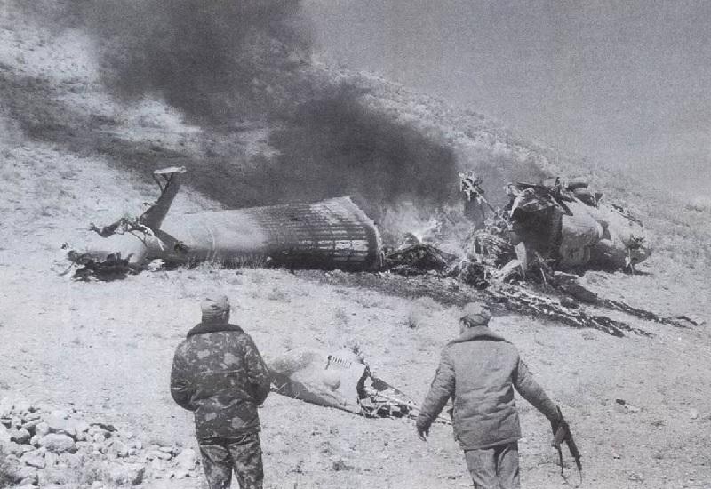 Стингер в Афганистане Эта история произошла зимой 1987 года. Именно в ходе этой операции ГРУ наконец-то удалось заполучить «Стингер». По воспоминаниям командира Владимира Ковтуна, они смогли ликвидировать 16 бойцов противника. Афганские солдаты были замечены ими еще с воздуха, они ехали на мотоциклах и начали стрелять в спецназ— успели даже два раза выстрелить из «Стингера», однако не попали в цель. За одним из афганцев погнались трое советских военных, которые поймали его и сделали выстрел в затылок. Именно таким образом советским командирам удалось достать «Стингер», охота за которым началась ещё в 1970-е.