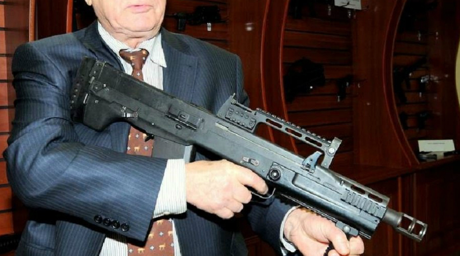 АШ-12 Этот крупнокалиберный штурмовой автомат создавался по запросу подразделений спецназначения ФСБ России. Один из немногих российских автоматов с компоновкой булл-пап. Схема внутреннего устройства и автоматики оружия засекречены.