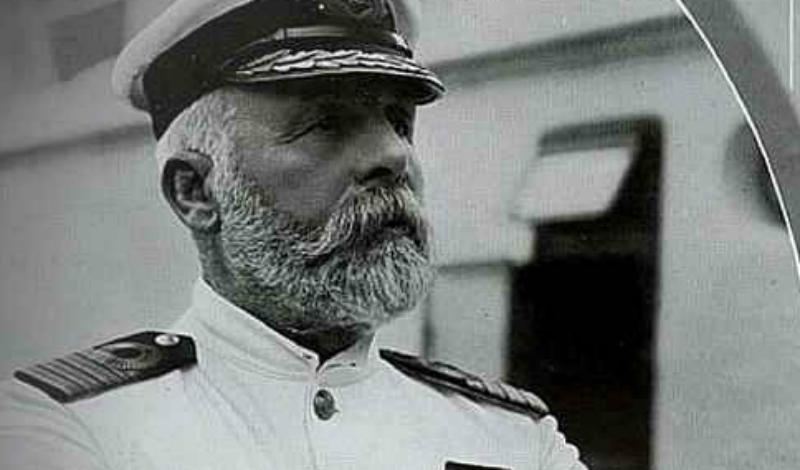 Катастрофа Титаника Капитан лайнера, Эдвард Смит, за два месяца до катастрофы пытался перевестись на другой корабль. Моряка, по его собственному признанию, уже долгое время мучил странный сон, где он замерзает насмерть. Смит указывал в прошении руководству, что «Титанику» нужен другой капитан, более опытный, однако компания решила оставить его на своем месте. Все мы знаем, чем это закончилось…