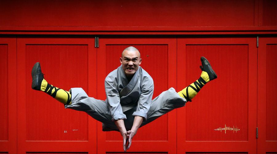 Шаолинь-Цюань Боевое искусство монахов называется Шаолинь-Сы Цюань-Фа или сокращенно Шаолинь-Цюань. Сюда входит не только рукопашный бой, но и уникальные способы владения оружием. Зародилось искусство в буддийском монастыре Суншань Шаолинь. Особое внимание практикующие Шаолинь-Цюань уделяют шести главным навыкам: храбрость, искренность, быстрота, свирепость, совершенство и гармония.