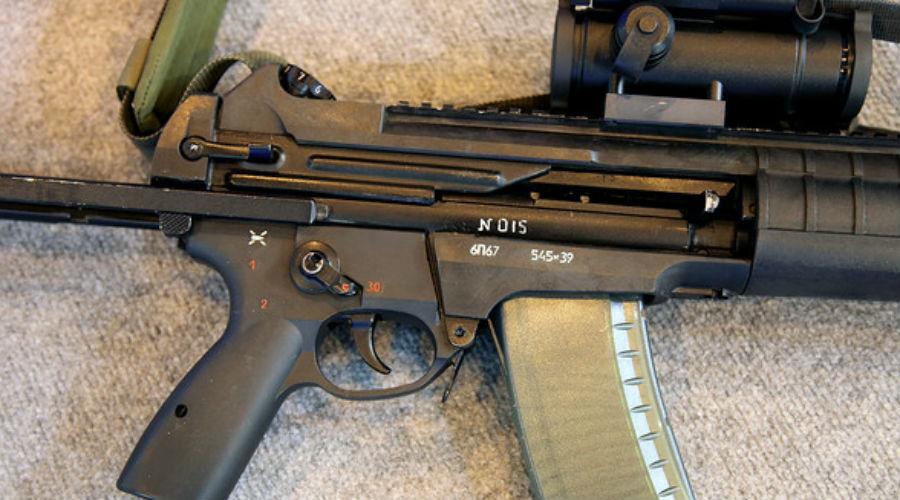 Характеристики Скорострельность, выстрелов/мин: 900 Начальная скорость пули, м/с: 880 Прицельная дальность, м: 500 Максимальная дальность, м: 1000