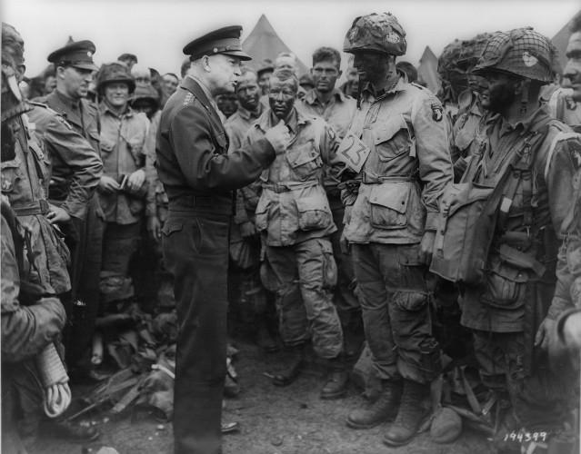 Давайте в следующий раз Свой безумный план Черчилль направил на утверждение Объединенному комитету начальников штабов. Потребовался месяц, чтобы провести доскональную оценку предложенному плану нападения. По счастью, рациональность победила страх. Штаб прекрасно понимал, что вооруженное противостояние с русскими означает новый виток тотальной войны, без особой надежды на успех.