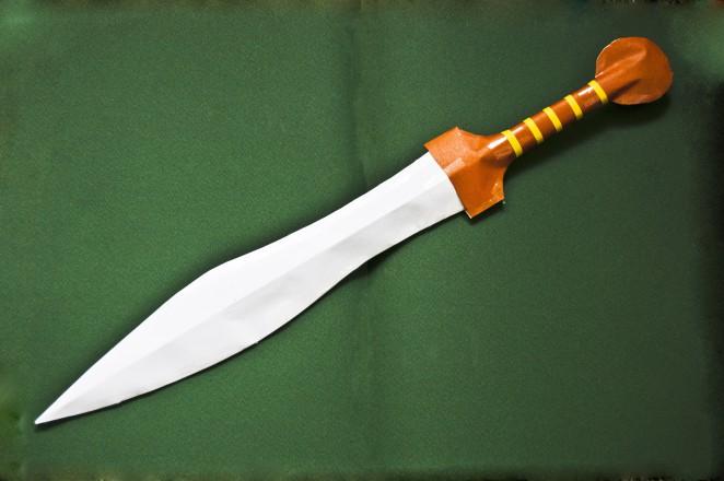 Гладий Gladius — всего лишь общее наименование для четырех типов мечей, различавшихся по длине: испанский, майнц, фулхэм, и помпейский. Гладий использовался в тесном щитовом бою, удары наносились преимущественно острием.