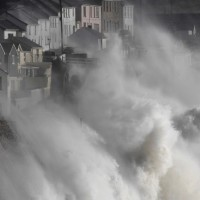 Британские острова замерли в ожидании удара «Офелии»