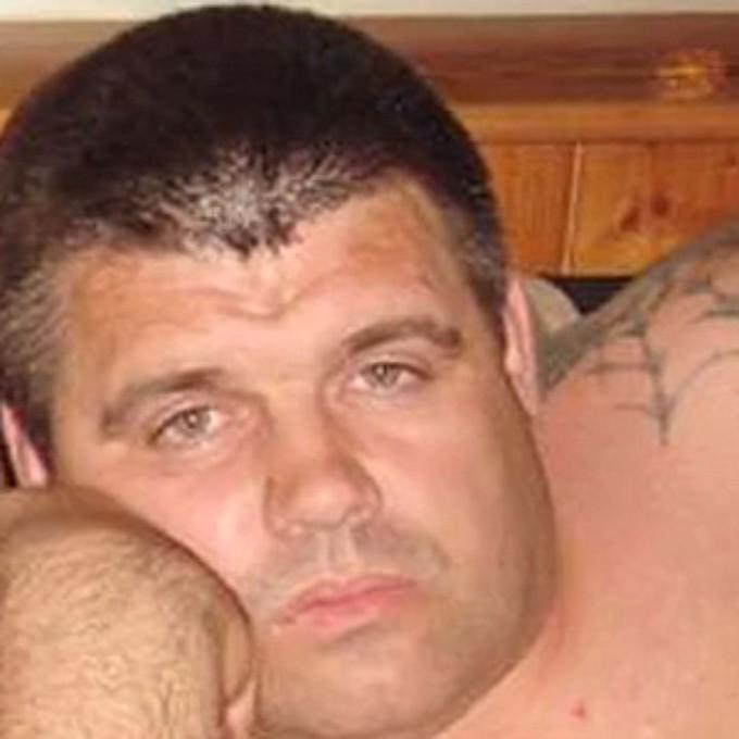 Тимошенко Олег Евгеньевич Тут полный джентльменский набор: бандитизм, убийства, грабеж, изнасилования. Тимошенко разыскивается в нескольких странах, но скорее всего находится на территории России.