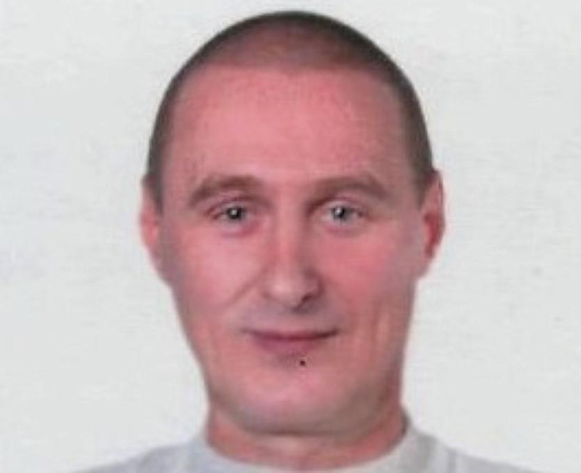 Емельянов Николай Бандит, действовавший на территории Брянского района. По странному совпадению, родной брат бывшего главы того же самого района. Находится в розыске с 2009 года. Предположительно, родных мест не покидал.