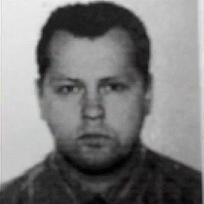 Шарапов Александр Викторович Уже в конце 90-х годов Шарапов вошел в знаменитую «медведковскую» группировку. Он дорос до казначея банды и лично руководил бригадой наемных убийц. В последний раз (2016 год) Шарапова видели на юго-западе Москвы.