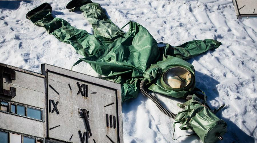 Конец Аральска-7 Остров смерти закрыли только в 1992 году, уже после распада СССР. Весь воинский контингент спешно вывезли в Киров, биолабораторию демонтировали, часть оборудования успели забрать с собой, но все остальное так и бросили на острове Возрождения.