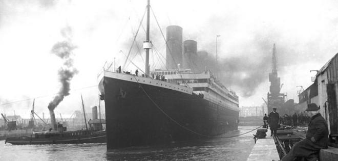 Titanic_in_Southampton_public_domain-702x336