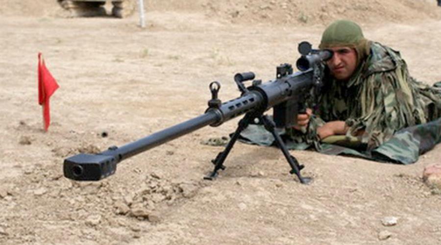 IST Истиглал Калибр: 14,5 мм Азербайджанская винтовка, разработанная на заводе «Телемеханика» в 2008 году. «Истиглал» предназначен для уничтожения техники противника на большом расстоянии. Автомобили, самолеты, вертолеты — из такого монстра специалисты даже топливохранилища взрывают.