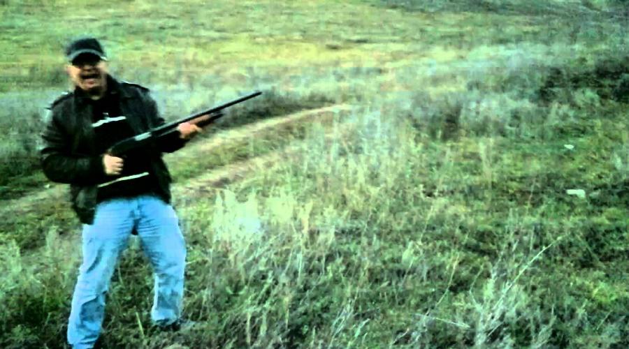 Разрывная пуля Боеприпасы этого типа запрещены к использованию Гаагской международной конвенцией по соображениям гуманности. Противопехотный патрон с разрывной пулей и в самом деле пугающая штука: внутри пули содержится заряд взрывчатки, который просто взрывается при попадании в тело.