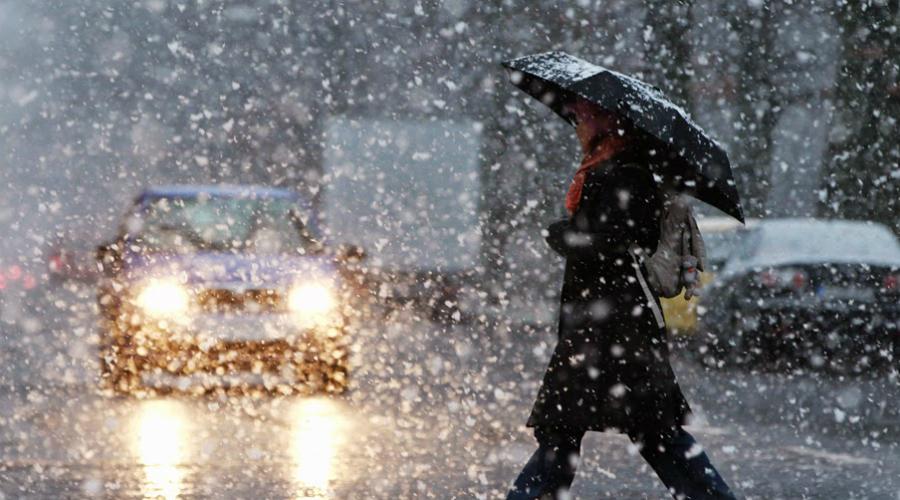 Тревожное расстройство Зима особенно неприятна невротикам, которые и в теплые-то времена года часто испытывают иррациональное беспокойство. С холодами приходит больший градус раздражительности, апатия накрывает с головой, а бессонница может только усугубить это неприятное состояние.