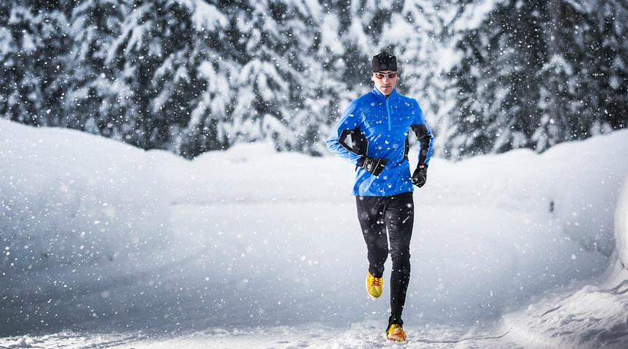 Дыхание Правильное дыхание — залог здоровья. Начинающим спортсменам это правило соблюдать сложно, зимой тем более. Запомните: вдох носом, выдох ртом и никак иначе. Хватая воздух ртом вы серьезно рискуете застудить легкие.