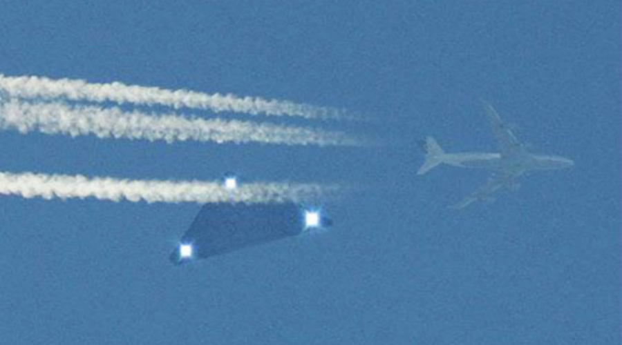 Секретная разработка Летающий объект (назвать «Астру» самолетом не поворачивается язык) был построен в девяти разных вариациях. Существуют и беспилотные модели, которые уже прошли испытания в настоящих боевых условиях.