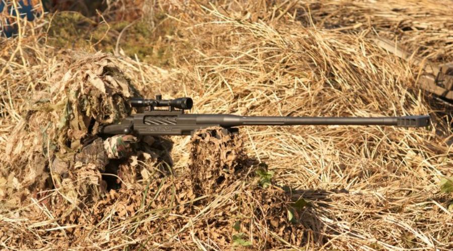 Truvelo SR Калибр: 20 мм Под этой маркировкой выпускаются несколько винтовок с продольно-скользящим поворотным затвором южноафриканской компании Truvelo Armoury. Есть и вариант с питанием из коробчатого магазина на 5 патронов, что является редкостью для винтовок такого калибра.