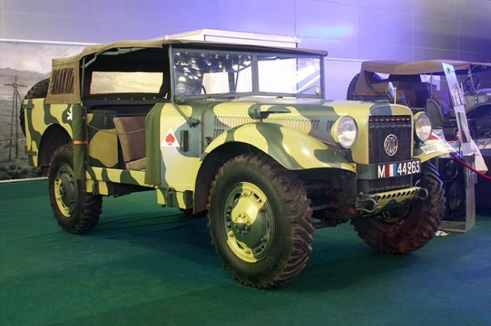 Latil M7T1 Не отставали от союзников и французы. Latil M7T1 создавался как автомобиль-универсал. Машина получилась настолько удачной, что ее использовали и противники: офицеры Третьего рейха, служившие на территории Франции, даже искали ее специально.