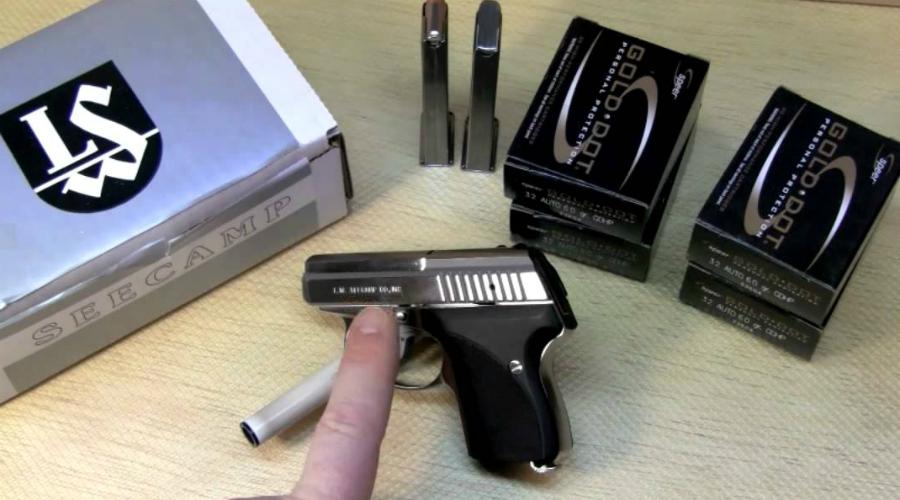 Seecamp LWS 32 Auto В 1981 году инженеры из Коннектикута выпустили первый вариант карманного пистолета Seecamp LWS 25 Auto. Спустя несколько лет был разработан и более совершенный вариант, пошедший в серию под маркировкой LWS 32. Модель стала фирменной визитной карточкой Seecamp: крошка отличалась получилась довольно убойной, чем полюбилась домохозяйкам Америки.
