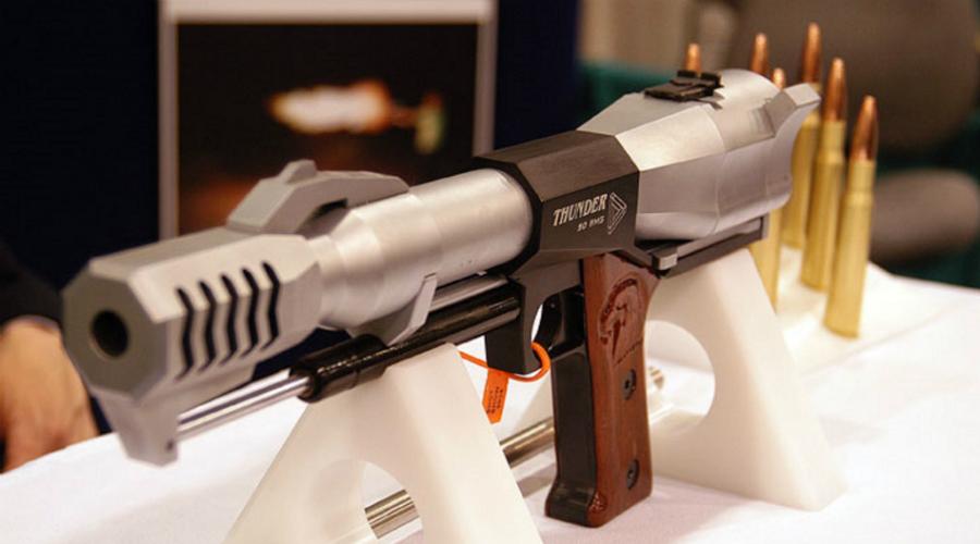 Thunder 50 BMG Однозарядного монстра Thunder 50 BMG представили публике в 2004 году на специализированной выставке в Лав-Вегасе. Пистолет использует патроны, которые также подходят снайперской винтовке и пулемету — это чтобы вы понимали масштабы. Дульная энергия Thunder 50 BMG — 15 500 Дж.
