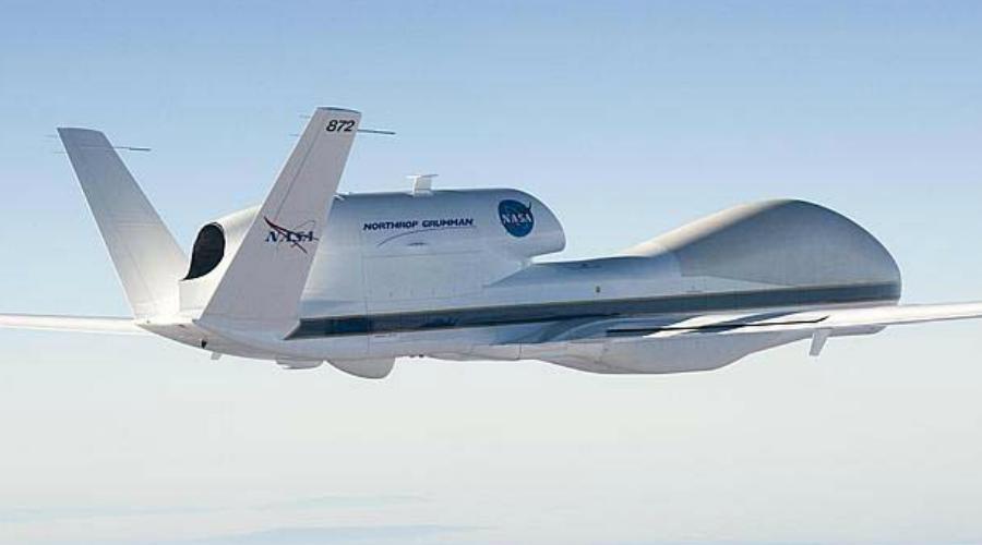 Triton MQ-4C Настоящий великан среди беспилотных аппаратов. Triton MQ-4C разрабатывался Northrop Grumman по заказу Пентагона. Размах крыльев этого гиганта сравним с размахом крыльев «Боинга-747», но пока точной информации о сфере применения беспилотника-гиганта не имеется.