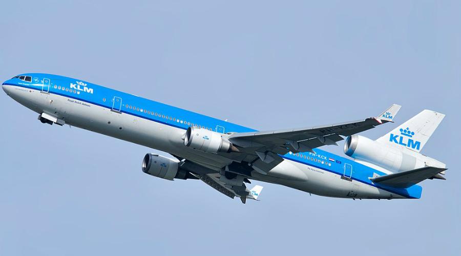 McDonnell-Douglas MD-11 Пожалуй, один из самых безопасных среди всех небезопасных самолетов мира — всего 1 авиакатастрофа на 3 668 800 летных часов. Производство MD-11 прекратилось в 2001 году, самолет признали попросту не эффективным. Тем не менее, многие крупные авиакомпании, такие как Finnair и KLM, все еще его используют.